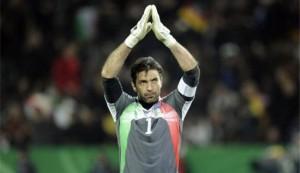 Considerado um dos melhores  goleiros de futebol do mundo, Gianluigi Buffon (nascido em 28 de janeiro, 1978) teve 121 jogos pela seleção da Itália, a qual tem sido o capitão desde 2011. Ele era goleiro do time italiano que ganhou a Copa do Mundo em 2006, e ainda ganhou três títulos italianos e uma Copa da Europa em 325 jogos.