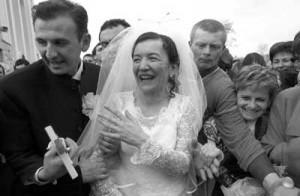 Vicka e Marijo Mijatovic se casaram em 26 de janeiro de 2002. Seis anos depois, Vicka viria informar notícias substanciais sobre os segredos - revelando à estação italiana da Rádio Maria que haverá um vidente somente com aparições diárias na época em que os segredos começarem a acontecer. Foto: Tom Dubravec, AFP