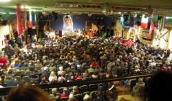 Parte dos 900 participantes do congresso em Canazel