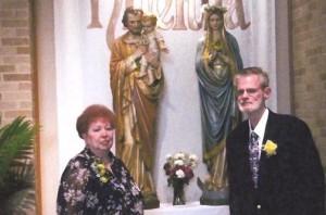 Barbara e Scott renovando os votos de casamento em 2009 três anos após a experiência da aparição de Vicka.