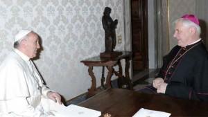 Papa encontra-se com cardeais para falar sobre Medjugorje