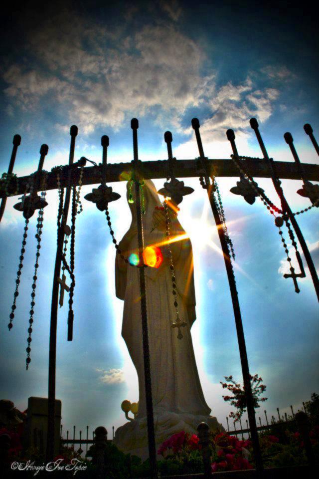 EM MEDJUGORJE SENTIMOS O ABRAÇO DE MARIA !!!