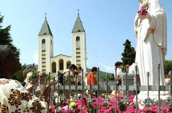 """Mons. Hoser: """"As dioceses poderão organizar peregrinações. Não existem mais impedimentos"""""""