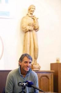 Roberto Mancini na conferência de imprensa no centro de Informações em Medjugorje