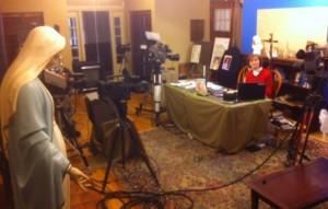 Preparativos nos estúdios da MaryTV em South Bend, IN, Estados Unidos