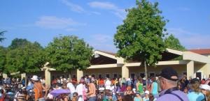 Aniversário atrai uma multidão para a confissão