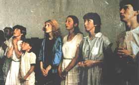 Todos os seis videntes juntos para uma aparição em 1981, quando seus encontros com a Virgem Maria começou uma onda de conversão entre as pessoas e em torno de Medjugorje
