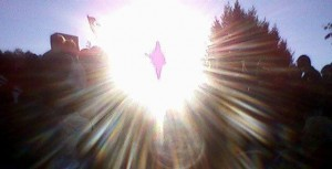 O milagre do sol durante a aparição para a vidente Mirjana Dragicevic-Soldo em 2 de outubro de 2011. Após assistir um acontecimento similar, a visão de Raffaella Mazzocchi foi restaurada.