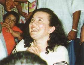 Enquanto Vicka é incansável e intransigente na passagem da mensagem da Virgem Maria, fazendo-se disponível para todo aquele que pede, suas aparições diárias ter sido privado desde meados dos anos 1980. Esta foto rara aparição de Vicka foi levado no Brasil março 1998