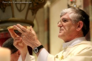Padre Petar Ljubicic. Foto: Daniel Miot, guardacon.me