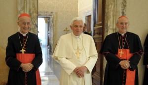 Cardeal Ruini (esquerda) lidera a Comissão Medjugorje