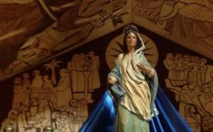 estatua_de_maria_na_basilica_da_natividade_vicka_medjugorje_2013