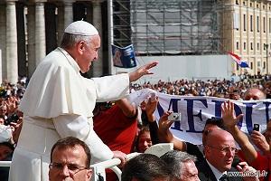 delegacao-medjugorje-recebe-bencao-papal-13-outubro-2013-a