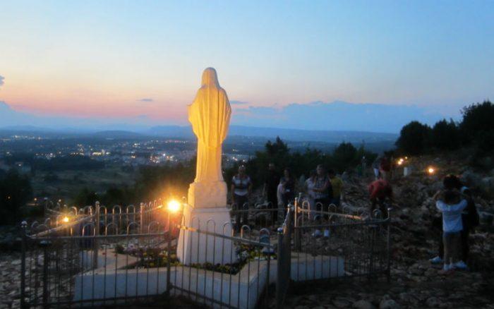 estatuamariacolina