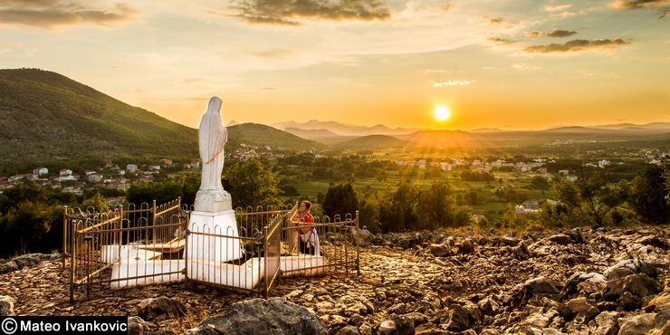 gospa-sunce-zena-molitva